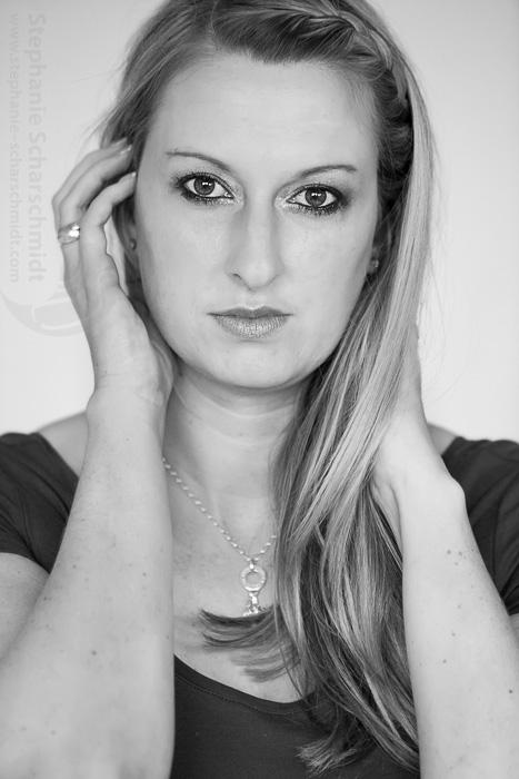 image-58071-b: Glamour Portrait Vanessa ( Viersen / DE ) 3.11.2012 13:10