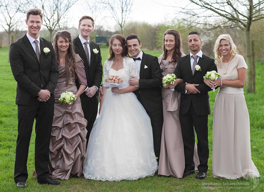 image-61260-b: traditionell Gruppenfoto vor Hochzeitsfeier im Neimenshof in Kempen ( DE ) 19.4.2013