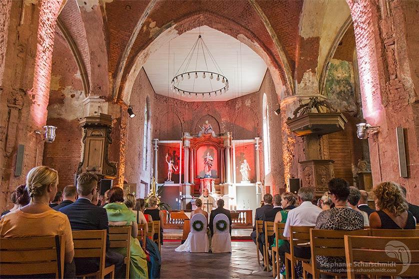 image-63844: kirchliche Trauung von Nina & Marcus in Kirche Lobberich ( Nettetal / DE ) 2 August 2013